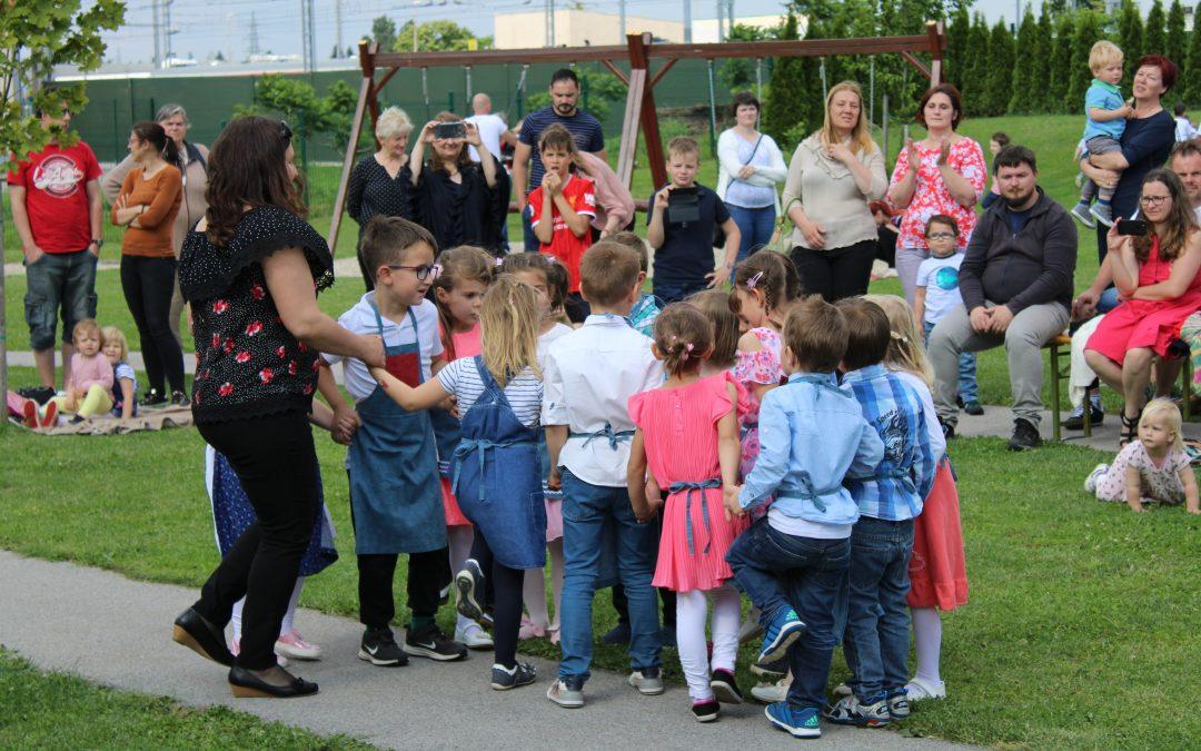 Srečanje družin ob zaključku šolskega leta in slovo od bodočih šolarjev
