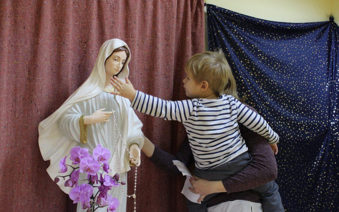Slovo od Marijinega kipa na Tišini